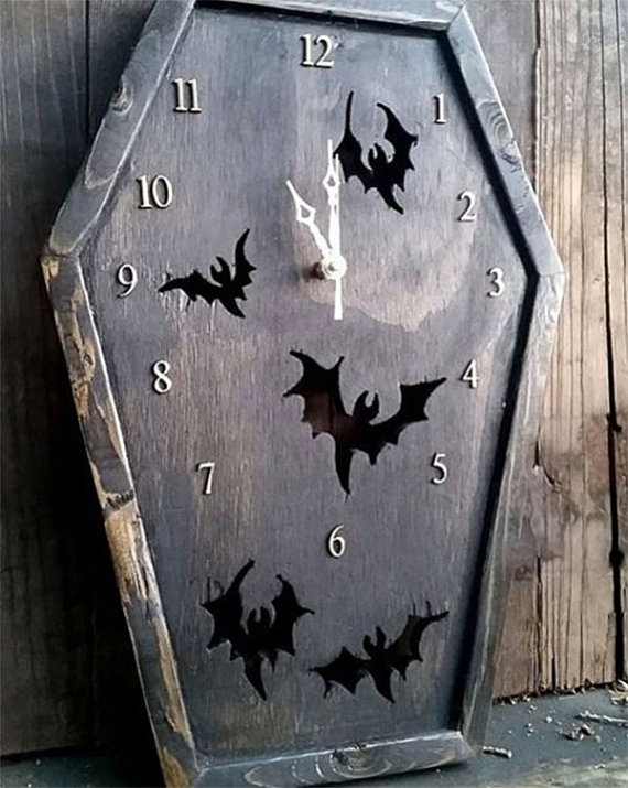 bat coffin clock