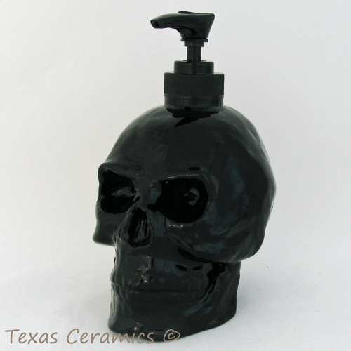 black_skull_pump_dispenser_bottle_ceramic_halloween_horror_decor